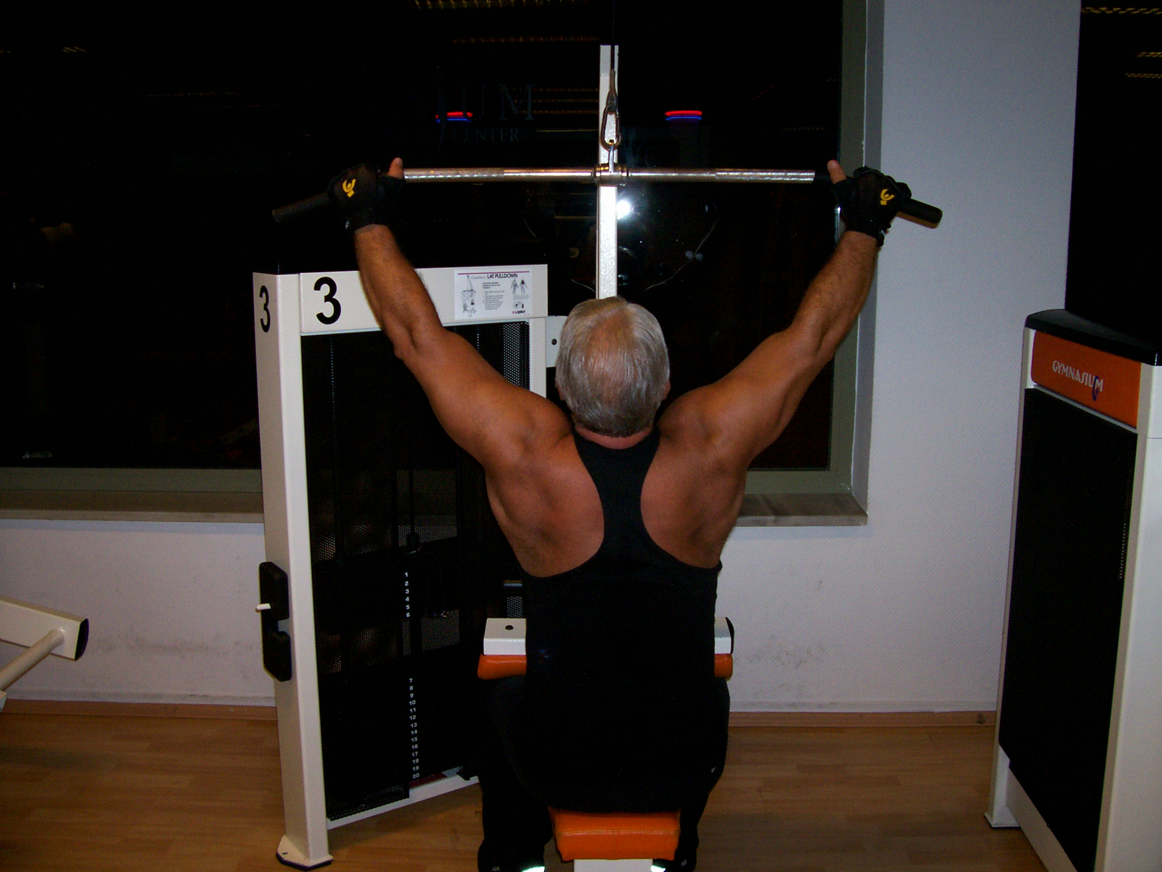 Wide Grip Front Pulldown