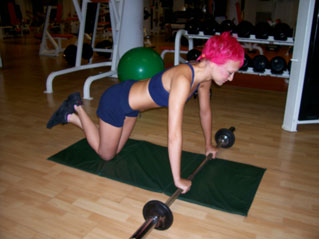 Barbell Ab Rollout – On Knees
