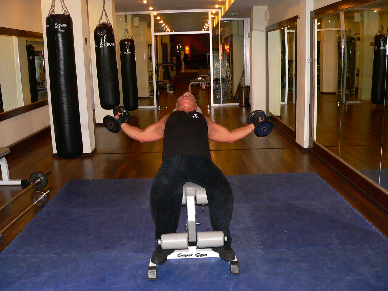 Incline Bench Dumbbell Fly – With A Twist