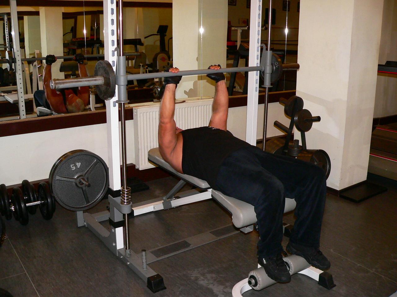 Smith Machine Close Grip Bench Press