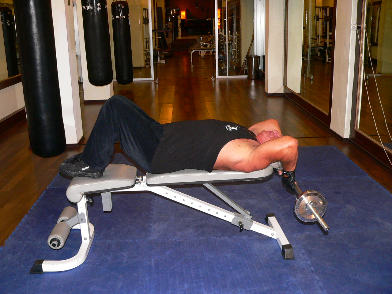 Lying Close-Grip Barbell Triceps Extension Behind Head