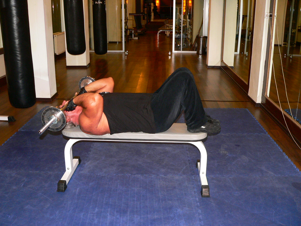 Lying Close Grip Barbell Triceps Press To Chin