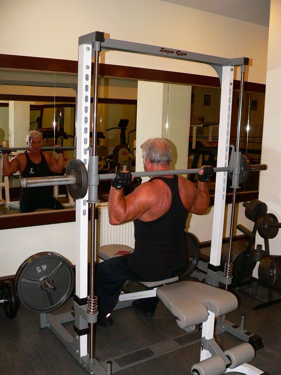 Smith Machine Press Behind Neck