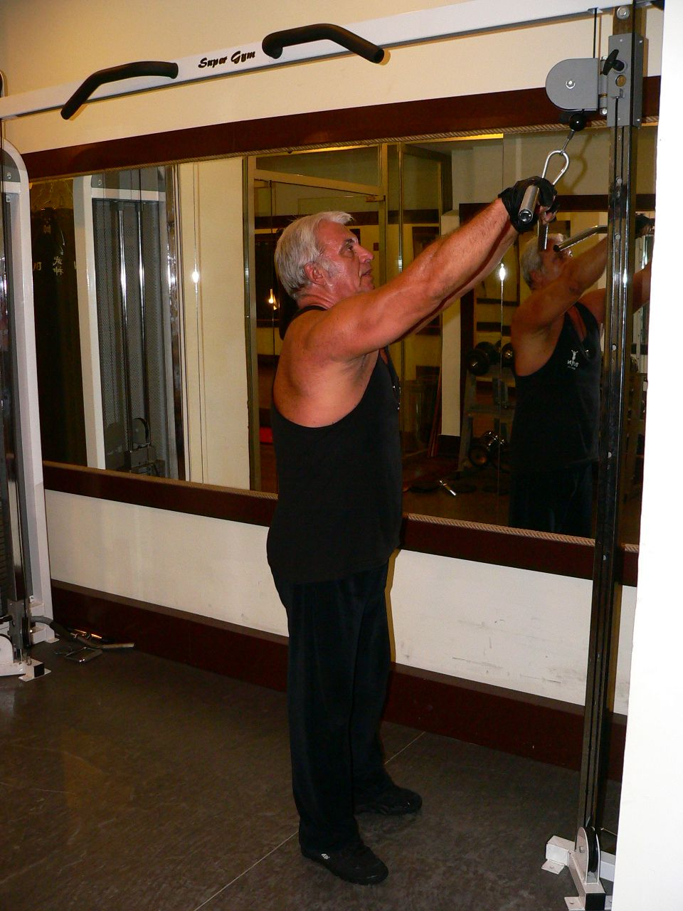 Straight Arms Pulldown