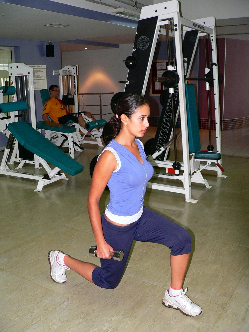 dumbbell lunge w-2