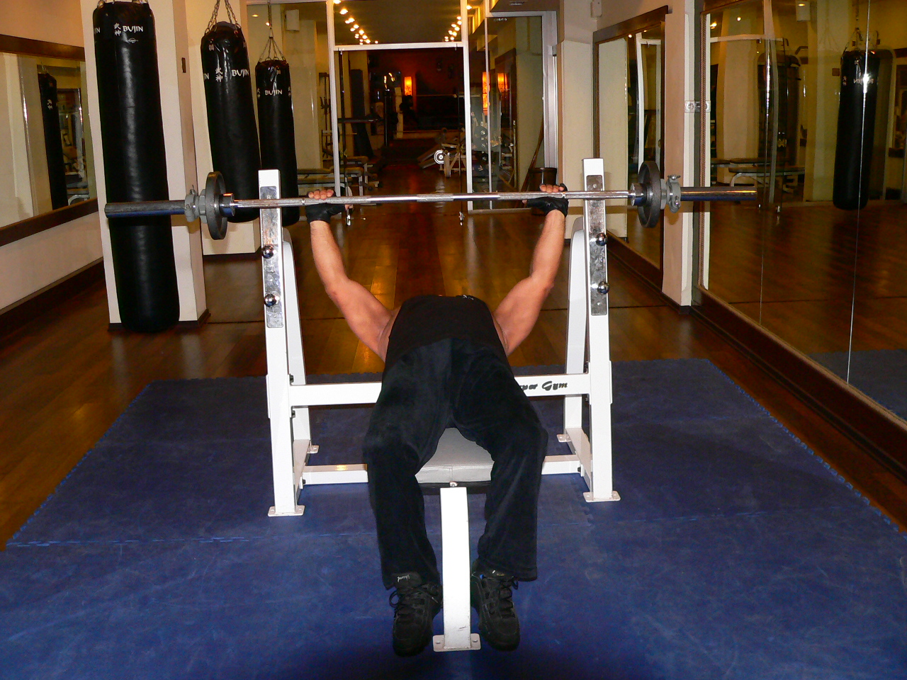 Barbell Bench Press – Normal Grip
